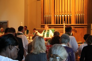 Worship at Gloria Dei